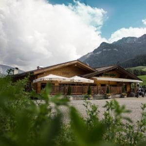 Pizzeria Sporthütte con ampio parcheggio a Castelrotto